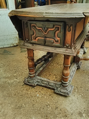 16E20014 18TH CENTURY DROPLEAF TABLE WITH SINGLE BOARD TOP (18).jpg