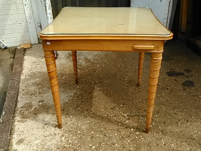 16E20025 TAPERED TWIST LEG CARD TABLE (1).jpg