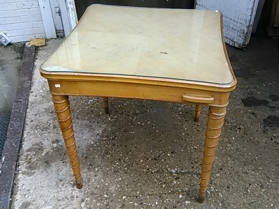 16E20025 TAPERED TWIST LEG CARD TABLE (2).jpg