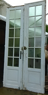 16E20034 PAIR OF TALL MULLIONED PAINTED WHITE DOORS (2).jpg