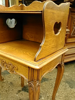 16E20036 PAIR OF LOUIS XV STANDS WITH NICHES (2).jpg