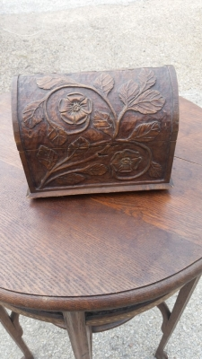 16E20 SMALL CARVED DOMED BOX (1).jpg
