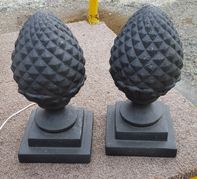 16F01 PAIR OF ACORN FINIALS.jpg