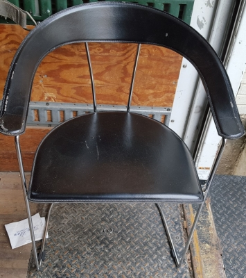 16F01 PAIR OF MODERN CHAIRS (2).jpg
