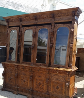 16G01006 HUGE MECHELLIN FRENCH OAK LIBRARY BOOKCASE WITH CARVED FEATURES (1).jpg