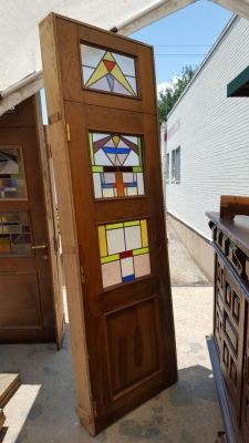 16G01033 8' DOOR WITH 3 STAINED GLASS WINDOWS.jpg