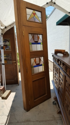 16G01034 8' DOOR WITH 3 STAINED GLASS WINDOWS.jpg