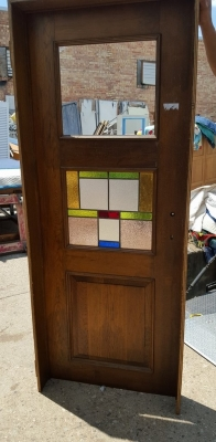 16G01037 AS IS 7' DOOR WITH STAINED GLASS WINDOW (2).jpg