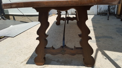 16G01054 RUSTIC IRON STRETCHER TABLE (3).jpg