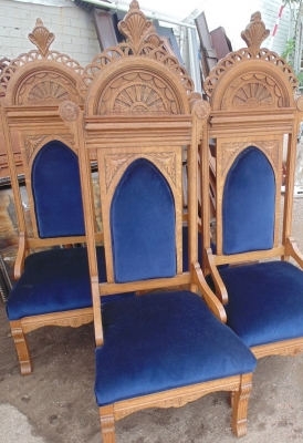 13J17001 SET OF 4 ECCLESIASTICAL CHAIRS (3).JPG