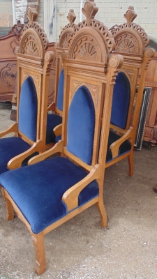 13J17001 SET OF 4 ECCLESIASTICAL CHAIRS (5).JPG