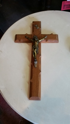 16G01055 BRONZE AND OAK CRUCIFIX.jpg