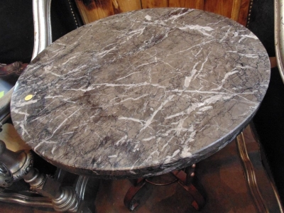 13K07001 SMALL MARBLE TOP AND IRON BASE TABLE (1).JPG