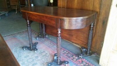 16G23519 DROP LEAF ANTIQUE TEA TABLE WITH SWING LEG AND ONE LEAF (1).jpg