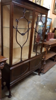 16G15001 EDWARDIAN MAHOGANY CHINA CABINET (1).jpg