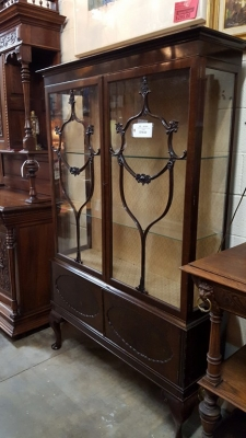 16G15001 EDWARDIAN MAHOGANY CHINA CABINET (2).jpg
