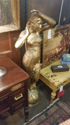 FUN4219 19TH CENTURY LADY STATUE.jpg