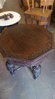 16H07014 DARK OAK CARVED OCTAGON TABLE (2).jpg