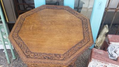 16H07037 LIGHT OAK OCTAGON TABLE (2).jpg