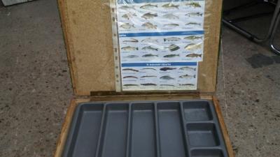 16H17010 VINTAGE FISHING CREEL (3).jpg