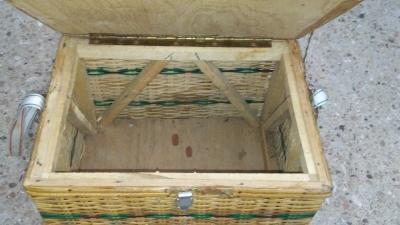 16H17010 VINTAGE FISHING CREEL (4).jpg