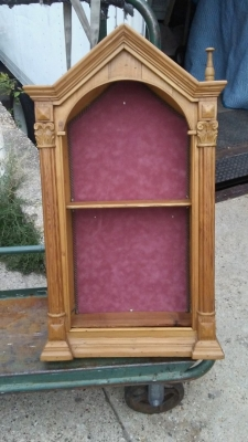 16H17020 GOTHIC PINE HANGING DISPLAY CASE (1).jpg