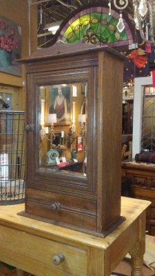 16H17021 OAK MEDICINE CABINET WITH BEVELED MIRROR (1).jpg