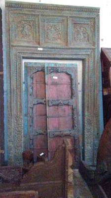 16H10 ASSORTED INDIAN DOORWAYS, DOORS AND BEAMS (4).jpg