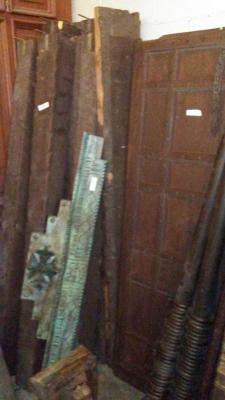 16H10 ASSORTED INDIAN DOORWAYS, DOORS AND BEAMS (15).jpg
