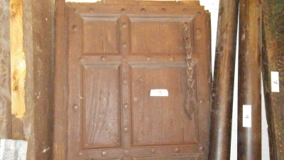 16H10 ASSORTED INDIAN DOORWAYS, DOORS AND BEAMS (17).jpg