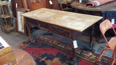 16H16001 PINE 19TH CENTURY HARVEST TABLE W DRAWER (2).jpg
