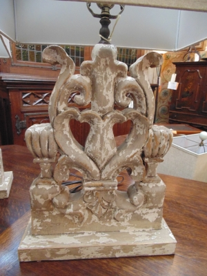 13L23574 PAIR EXTRA LARGE FRET CARVED LAMPS (1).JPG