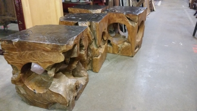 16H08 SET OF 4 STOOLS MADE FROM TREES (2).jpg