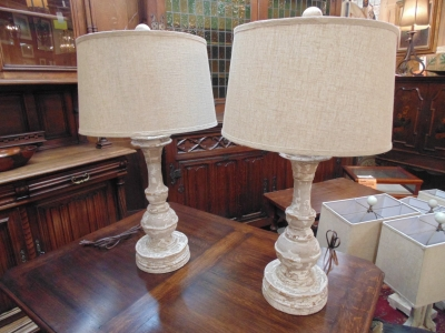 13L23577 PAIR TALL WOOD LAMPS (2).JPG
