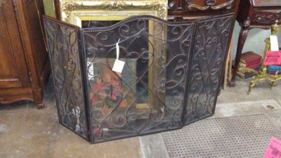 36-IRON FIRE SCREEN.jpg