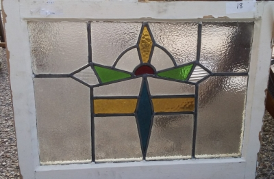 16I02018  STAINED GLASS WINDOW (24).jpg