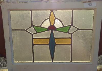 16I02043 STAINED GLASS WINDOW (3).jpg