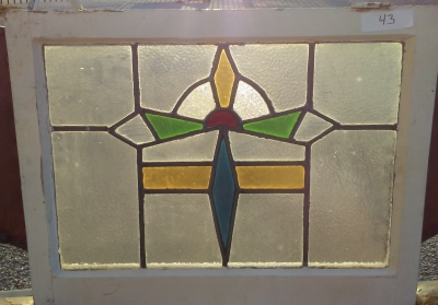 16I02043 STAINED GLASS WINDOW (3).jpg