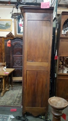 16H23- EARLY COUNTRY FRENCH ARMOIRE (2).jpg