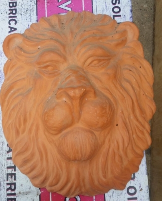 16H30 TERRA COTTA LION FACE WALL HANGING.jpg
