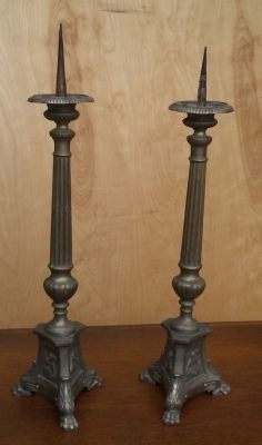16I03018 PAIR OF ALTER CANDLE STANDS (2).jpg