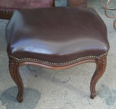 16I03020 SMALL LOUIS XV LEATHER TOP STOOL (1).jpg