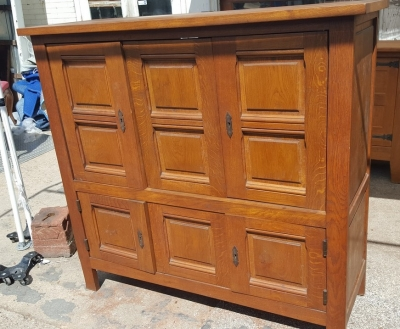 16I15009 SMALL PANELED OAK CABINET (2).jpg