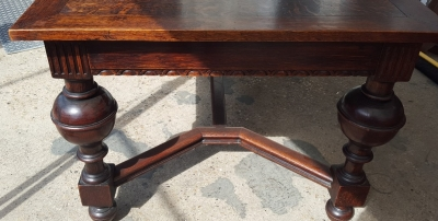 16I15024 DARK TUDOR TABLE WITH 2 LEAVES (2).jpg