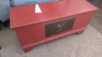 6I08222 RED COTTAGE PAINTED TRUNK (1).jpg