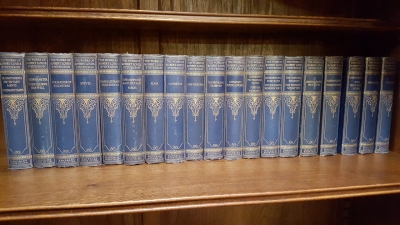 16I02 LARGE SELECTION OF CLASSIC BOOKS (1).jpg