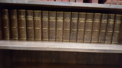 16I02 LARGE SELECTION OF CLASSIC BOOKS (2).jpg