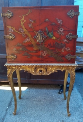 16J05017 CHINOISERIE RED LIQUOR CABINET (1).jpg