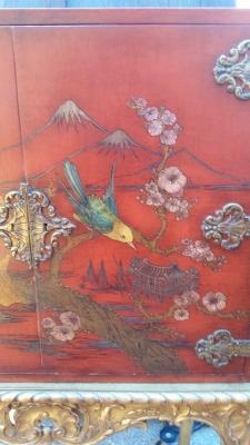 16J05017 CHINOISERIE RED LIQUOR CABINET (2).jpg
