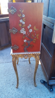 16J05017 CHINOISERIE RED LIQUOR CABINET (3).jpg